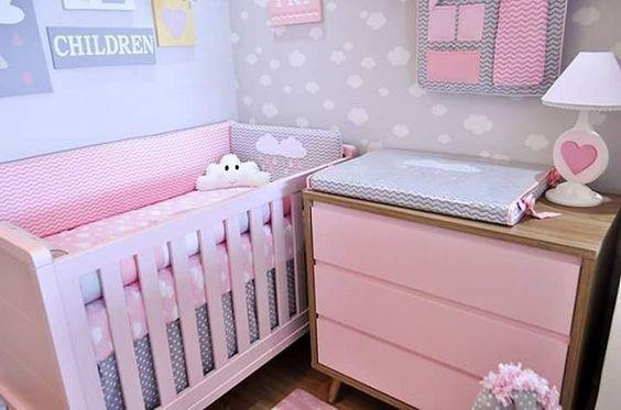 Quarto de bebê pequeno feminino - Rosa e cinza