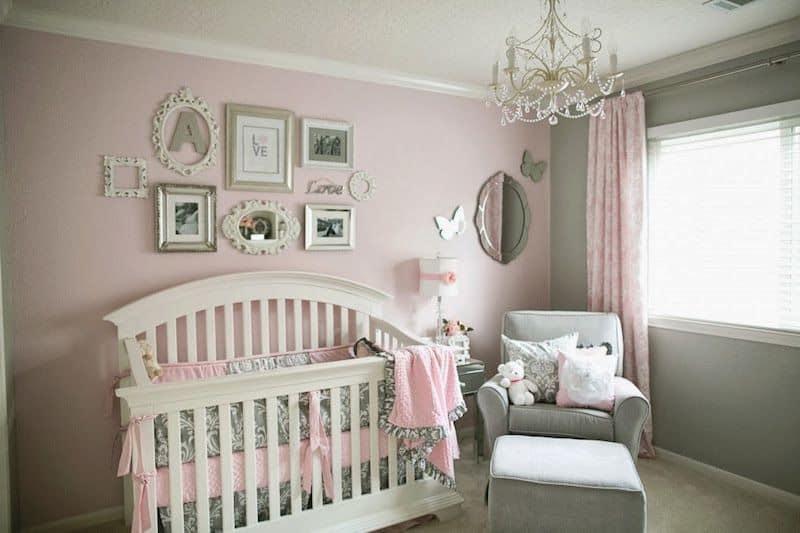 quarto de bebe provencal rosa e  cinza