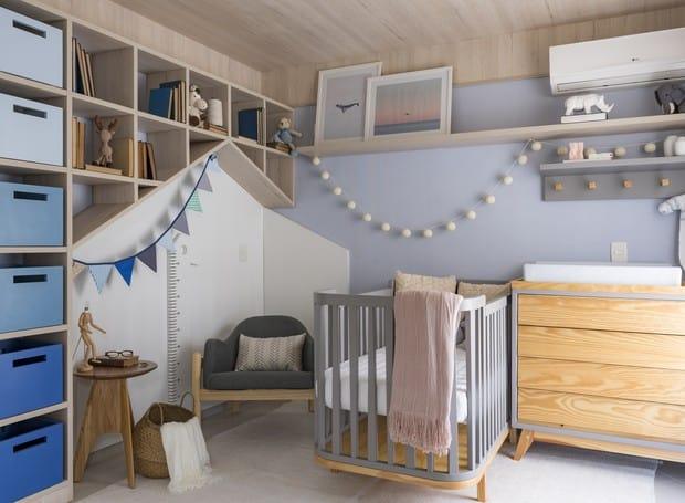 Decoração moderna para quarto de bebê com degradê de azul
