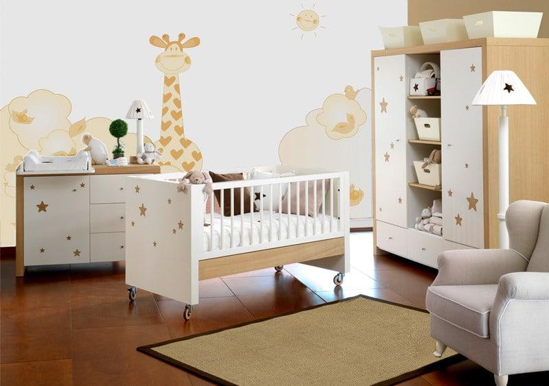 Quarto de bebê com adesivos safari