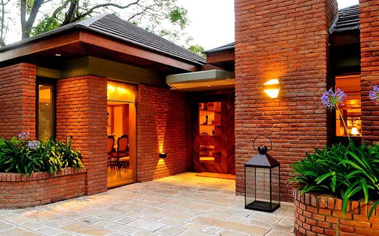 casa de  tijolo aparente ideias para iluminacao