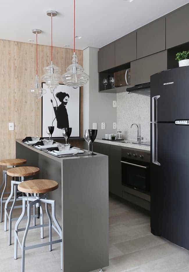 cozinha moderna cinza com banquetas
