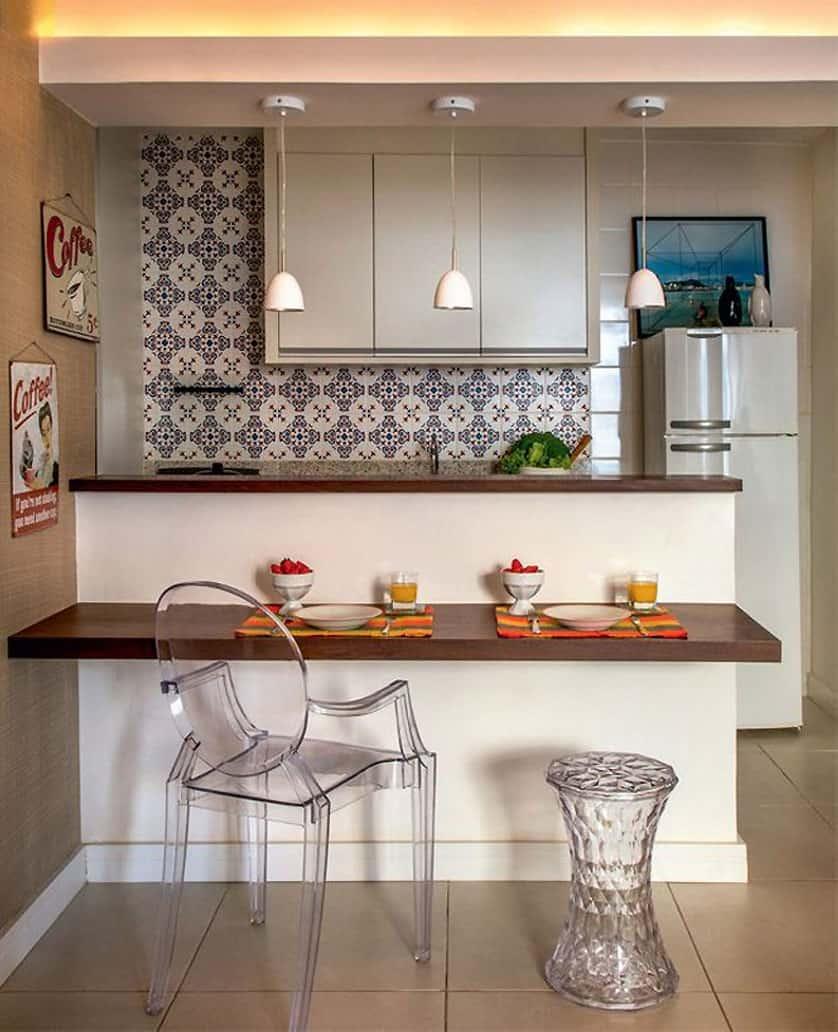 cozinha moderna com bancada para cadeiras