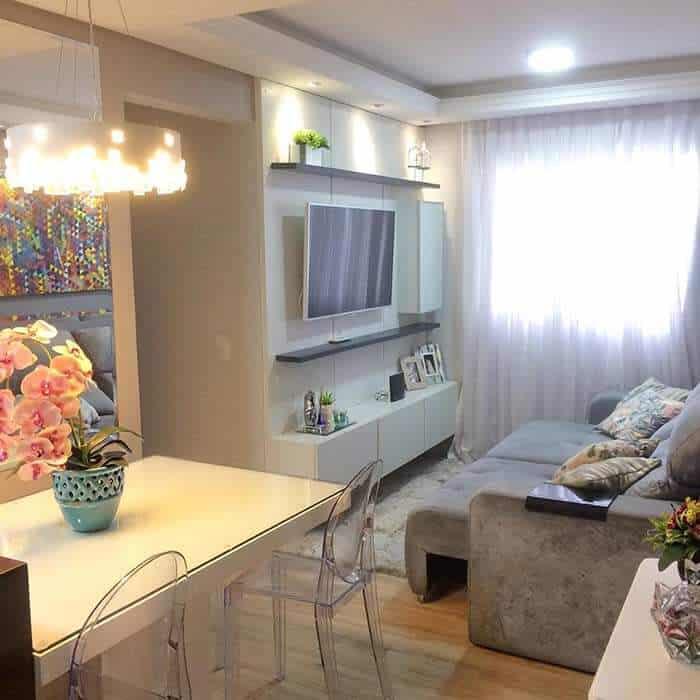 Sala pequena com decoração simples