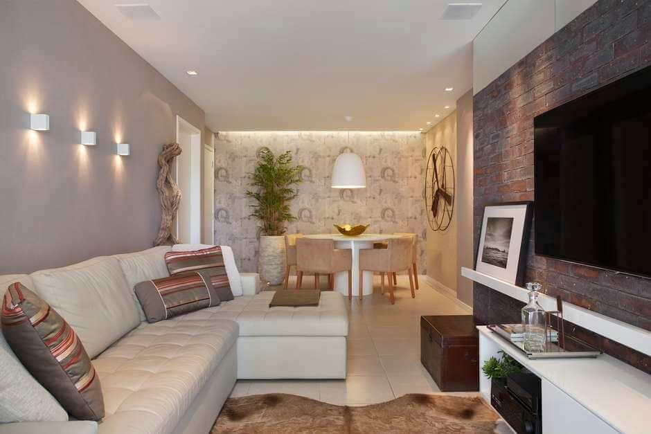 Sala com cores claras e várias texturas