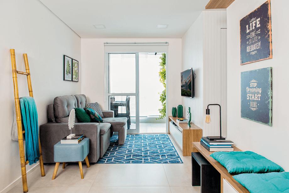 Sala simples com decoração moderna