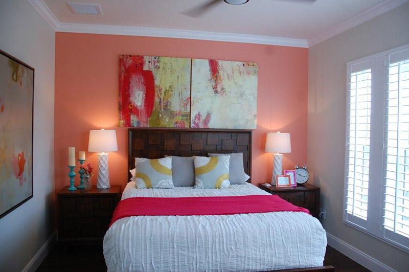 Parede colorida no quarto de casal