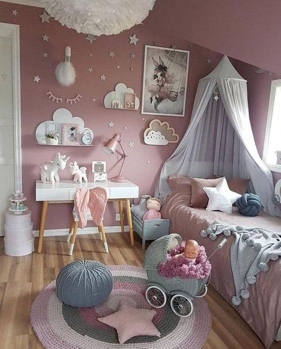 quarto de princesa com nuvens e unicornio