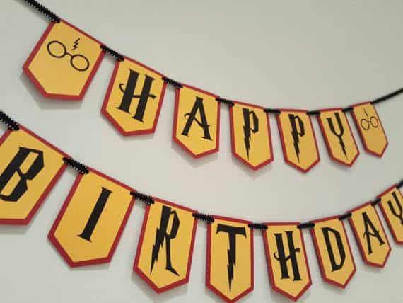Feliz aniversário de parede