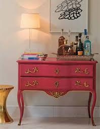 Cômoda rosa com dourado antiga