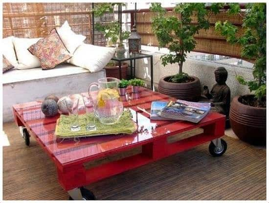 mesa de centro de pallet vermelha