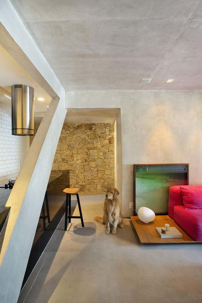 piso e parede de cimento queimado claro