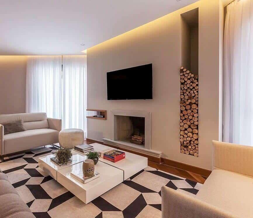 sala clean com lareira moderna